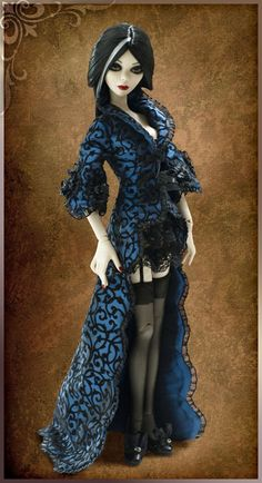 2009 Evangeline Ghastly - Eternal Evangeline & Midnight Blue coat (outfit only)