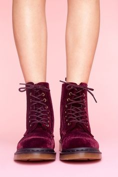 Red velvet Docs for an edgy look with your #prom #miniskirt.