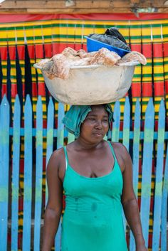 A portrait series featuring the women who carry coastal Ghana's food supply on…