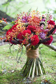 Nazomerbloemen. Met veel besjes. Warme kleuren.