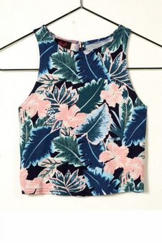 New Look Sleeveless Tropical Print Crop Top