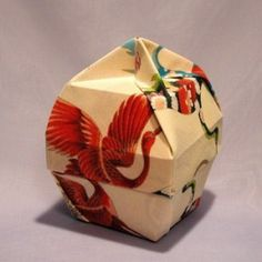 Origami Box - Square Beauty - This is a beautiful box. Hope I can find instructions.