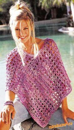 Jsou zde 2 návody, liší se akorát malinko přízi.... T-shirt Au Crochet, Cardigan Au Crochet, Crochet Cape, Ravelry Crochet, Crochet Shirt, Knitted Poncho, Poncho Knitting Patterns, Crochet Patterns, Girls Poncho