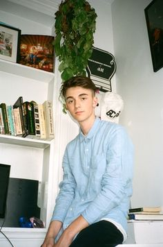 Middle school crush / We sat down with Greyson Chance to talk about his middle school stardom, returning to music, politics, James Blake, and his aversion to a bad boy image.