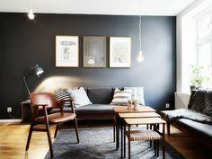 Kleurinspiratie voor in huis: zwart in je interieur. Zwarte muren staan chique en maken een goede basis voor de rest van je inrichting!