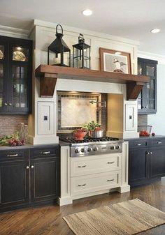 Awesome 88 Stylish Black And White Kitchen Design Ideas. More at http://88homedecor.com/2017/12/05/88-stylish-black-white-kitchen-design-ideas/