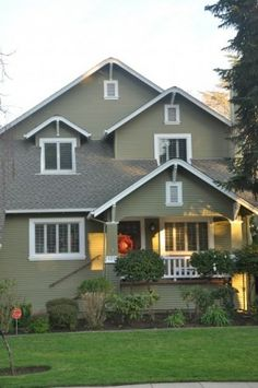 Eco Houses, Charming Magnificent Eco House With Craftsman Exterior Design With Huge Eco Green Field Also Gray Color Wooden House With Old School Windows Style: Enchanting Eco House Design Ideas Green Exterior Paints, Exterior Paint Colors For House, Paint Colors For Home, Exterior Colors, Exterior Design, Paint Colours, Dark Colors, Green Siding, Craftsman Exterior