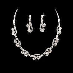 ACCESSORIESFOREVER WOMEN Bridal Wedding Jewelry Set Necklace Crystal Rhinestone Floral Link Silver Clear Accessoriesforever http://www.amazon.com/dp/B007TQDPE6/ref=cm_sw_r_pi_dp_Keyivb082A26T