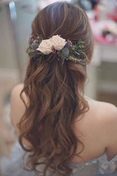 Bridal Hairstyles for Perfect Big Day; Wedding updo hairstyl… Bridal Hairstyles for Perfect Big Day; Braid styles for long or medium length hair; Easy hairstyles for women. Wedding Hairstyles Half Up Half Down, Wedding Hair Down, Wedding Hair And Makeup, Wedding Updo, Down Hairstyles, Easy Hairstyles, Boho Wedding, Prom Updo, School Hairstyles