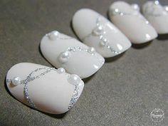 Winter Nails Designs - My Cool Nail Designs Pearl Nails, Crystal Nails, Pearl Nail Art, Bride Nails, Wedding Nails, Hair Wedding, Christmas Nail Art, Holiday Nails, Trendy Nails