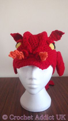 If only I could crochet! Dragon Hat 1 yr Crochet Pattern by CrochetAddictUK… Dinosaur Hat, Crochet Dinosaur, Crochet Dragon, Crochet Crafts, Crochet Yarn, Yarn Crafts, Crochet Projects, Sewing Projects, Crochet Character Hats
