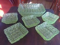 VASELINE Glass Daisies and Button Pressed Glass Serving bowl & 5 berry bowls