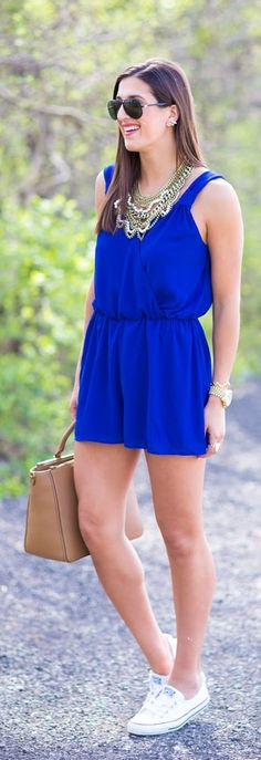 Romper And Chucks Streetstyle