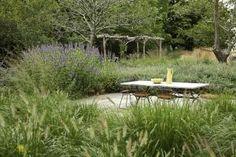 A bountiful, four-season Oehme, van Sweden garden on Long Island breathes new life into an 18th-century farmstead