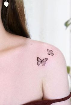 32 Amazing Tattoo Ideas - Page 24 of 28 - Tattoo Designs Tiny Butterfly Tattoo, Butterfly Tattoo On Shoulder, Butterfly Tattoos For Women, Tiny Tattoos For Girls, Shoulder Tattoos For Women, Little Tattoos, Mini Tattoos, Dainty Tattoos, Delicate Tattoo