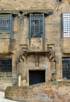 Red / brown sandstone ref. 1406 x 2048. Glasgow school of art. Charles Rennie Mackintosh.