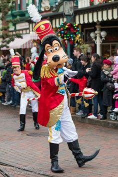 Goofy - Christmas Cavalcade