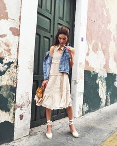 Office-Appropriate Summer Outfits That Take 3 Pieces or Less A frilly dress paired with a denim jacket and lace-up espadrilles. Espadrilles Outfit, Lace Up Espadrilles, Fashion Moda, Look Fashion, Womens Fashion, Fashion Trends, Petite Fashion, Curvy Fashion, Fashion Bloggers