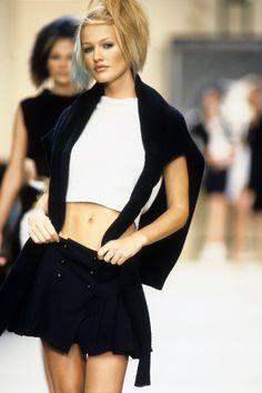Chanel Spring 1994 Ready-to-Wear Fashion Show - Karen Mulder