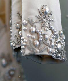 Manga-joya de uno de los vestidos de novia de Oscar de la Renta 2013