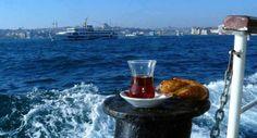 Boğaz'da Simit ve Çay