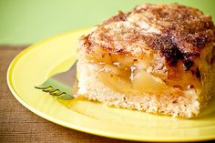 Apple Pie Coffee Cake. Totally vegan, totally delicious. Via: veganyumyum