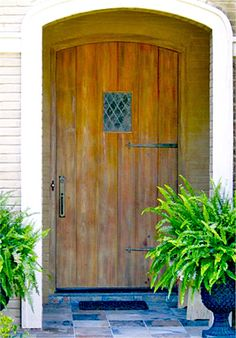 There's something I really like about doors, and pictures of doors...you've got to have a nice front door.