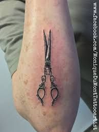 What does scissors tattoo mean? We have scissors tattoo ideas, designs, symbolism and we explain the meaning behind the tattoo. Cute Tattoos, New Tattoos, Hand Tattoos, Sleeve Tattoos, Tatoos, Hairdresser Tattoos, Hairstylist Tattoos, Sissor Tattoo, Hair Scissor Tattoos