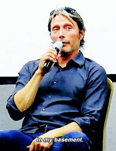 "Mads @ Horrorhound​ 2014, ""Where was Abigail Hobbs during Season 2?"""