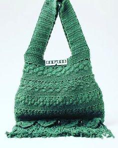 I N S P I R A Ç Ã O #grannysquare #crochê #crocheting #crochet #crochetaddict #crochetlove #croche #handmade #feitoamao #instacrocheting  #moda #kilt #instacrochet #fashion #instaartist #inspiration #instamood #instafashion #look #instalook #boaideia #artesanatobrasil #artesanato #artesao #ideiascriativas #modaartesanal #macrame #macramè #hakeln #virka by naira.lu
