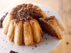 biscuits à la cuillère, chocolat pâtissier, crème fraîche liquide, lait, beurre, oeuf, sucre glace, rhum