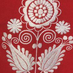 Sehr hübscher Trachten Zweiteiler in rot, mit toller weißer Stickerei, bestehend aus Mieder und kurzem Faltenrock.   Die Kombi ist in einem sehr guten gebrauchten Zustand.  Marke: Edelweiß...
