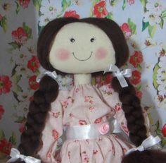 Curso Virtual Boneca de pano com cabelo de lã penteada