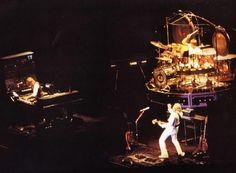Emerson, Lake and Palmer. The Hollywood Bowl Los Angeles, California 1986- check out the kongs!! Awesome!