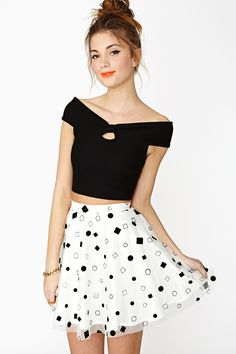 I don't wear skirts but this is cute.