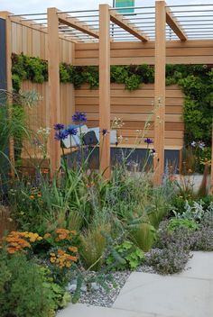 Our Dove Grey Pebbles and Cobbles in a garden at Tatton 2016 that won Gold.