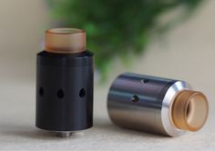 The CTHULHU CETO Mesh RDA Tank Atomizer is the first mesh RDA by Cthulhu MOD and Designed in Germany. The Mesh CETO RDA is contructed from 304 food grade steel in 24mm diameter. Features a clamp post to lock mesh easily as well as compatible 810(Kennedy,Goon) /510 drip tip adapter. Along with adjustable airflow and Squonk BF pin. CETO RDA will become the best flavor RDA with big cloud.