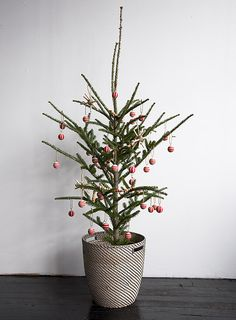 Christmas tree decor ideas on Design*Sponge