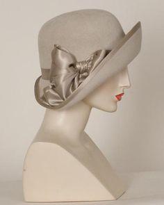 Beautiful vintage hat c Turbans, Millinery Hats, Church Hats, Fancy Hats, Kentucky Derby Hats, Love Hat, Headgear, Headdress, Hats For Women