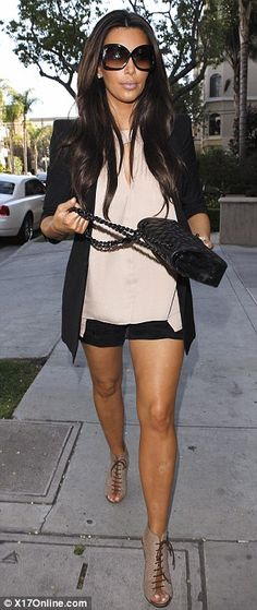 Kim Kardashian........don't like her, but I love this outfit!!!