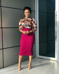 Corporate wears always makes you Look amazing and stunning.check below for latest corporate style dresses for our slay queens. Corporate Attire, Corporate Style, Corporate Fashion, Corporate Dresses, Classy Work Outfits, Office Outfits, Chic Outfits, Moda Fashion, Girl Fashion