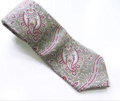 Metropolitan-Museum-of-Art-Gray-NECK-TIE-100-SILK-Paisley-Necktie-MMA-Red