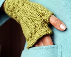 Top 10 Free Patterns for Knitting Fingerless Mittens