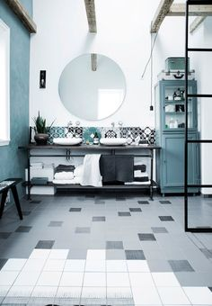 Tiled wall in a beautiful, shaded Scandinavian style, which also helps to give your room personality.