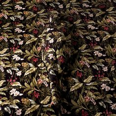 Camouflage body art by Cecilia Paredes (read full article). Photographie Art Corps, Camouflage Wallpaper, Body Art Photography, Amazing Photography, Art Design, Photomontage, Optical Illusions, Pattern Wallpaper, Wallpaper Art