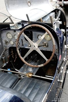 Bugatti type 35 - Roberta's Home Page Indy Car Racing, Indy Cars, Classic Car Show, Classic Cars, Vintage Racing, Vintage Cars, Automotive Engineering, Rolls Royce Cars, Mg Cars