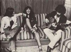 """The Birth Of The Eagles! Linda Ronstadt's Back-Up Band Had A """"Peaceful Easy Feeling! Emmylou Harris, Pop Singers, Female Singers, Famous Singers, The Eagles, Eagles Band, Female Rock Stars, Gram Parsons, John Prine"""