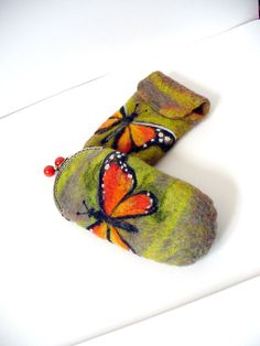 Wet Felted  Eyeglasses Case  Butterfly  with bag frame metal closure