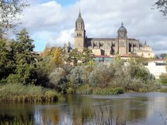 Salamanda Cathedral - view over RiverTormes  © Robert Bovington  http://bobbovington.blogspot.com.es/2011/11/salamanca.html