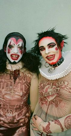Avant Garde looks from Jean Paul Gaultier, worn by Oliver Hartt and Harry Charlesworth. High Fashion Makeup, Funky Fashion, Colorful Fashion, Fashion Art, Character Inspiration, Character Design, Cute Clown, Coachella, Makeup Art